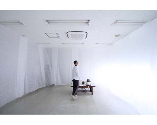 白の茶室 / Tea ceremony space in White